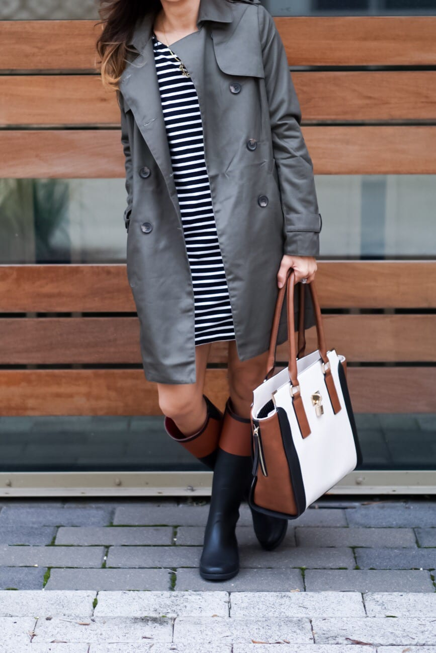 how to wear a trench coat casually