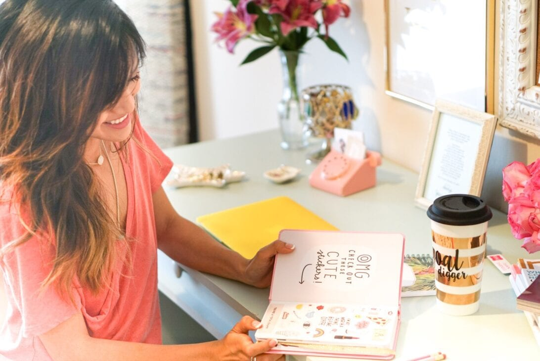 Office Inspiration: 6 Tips to a Chic Workspace with Francesca's by Houston blogger Dawn P. Darnell