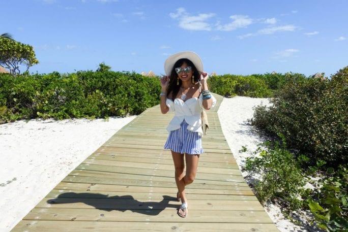 striped shorts, peplum top, beach, vacation looks, summer fashion