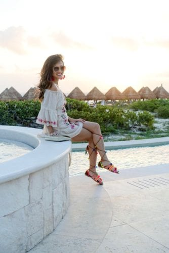 sunset, dreams resort, playa de mujeres,mexico, pom pom sandals, lace ups, pink tassel earrings, quay sunglasses