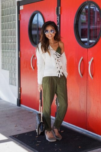 linen pants_ off shoulder sweater_spring fashion
