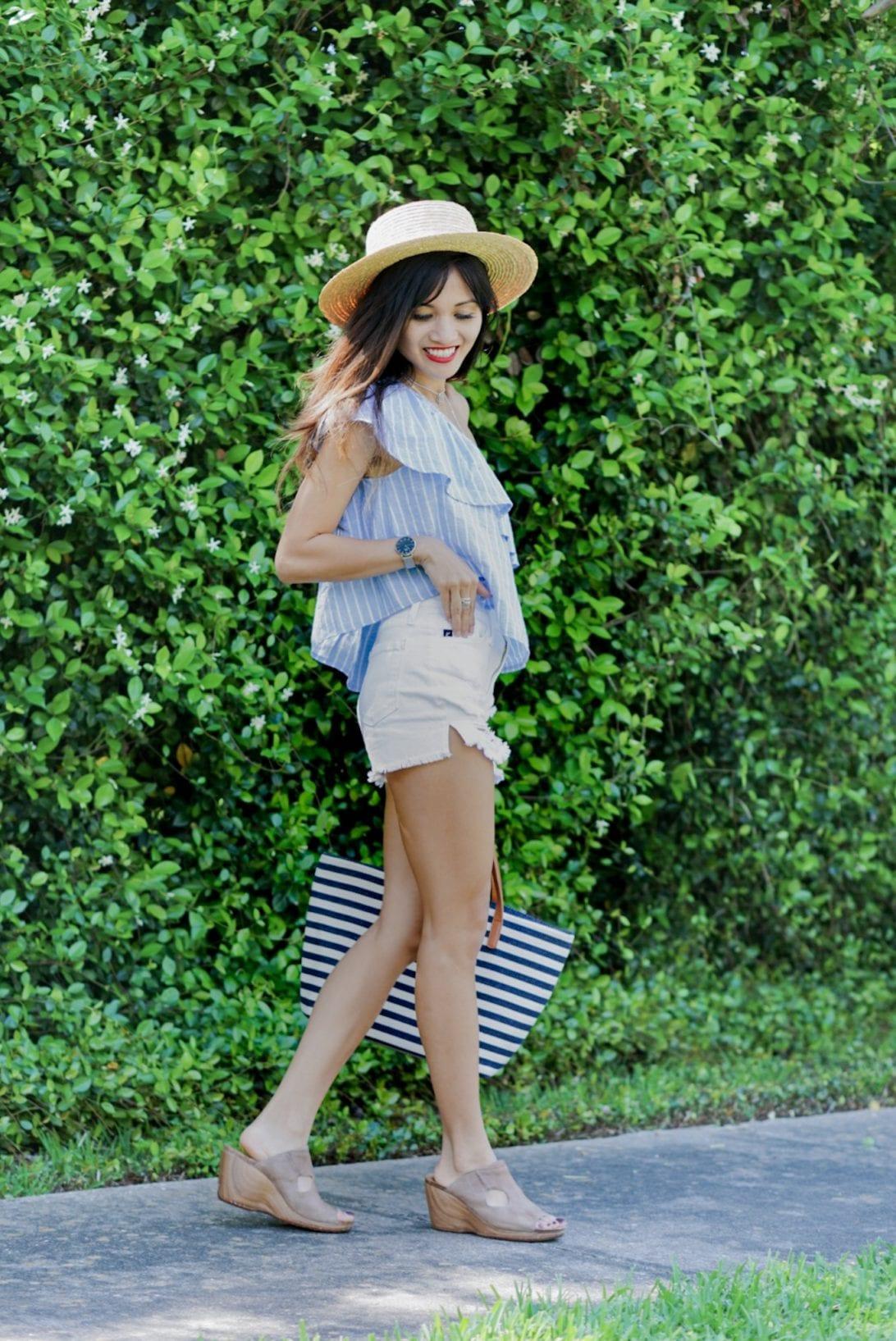 summer outfit inspiration, spring outfit inspiration, white shorts