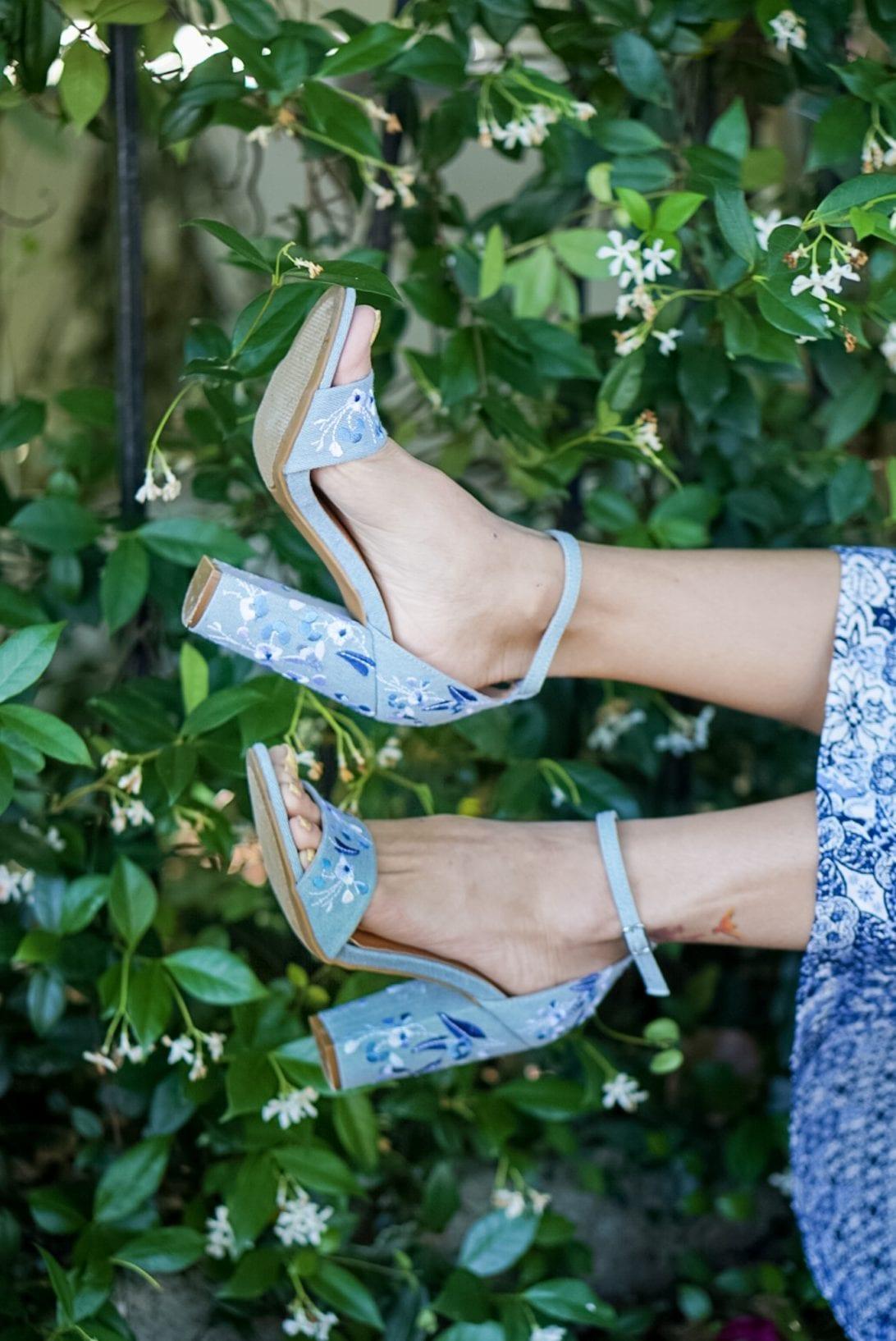 block heels, embroidered heels, blue heels