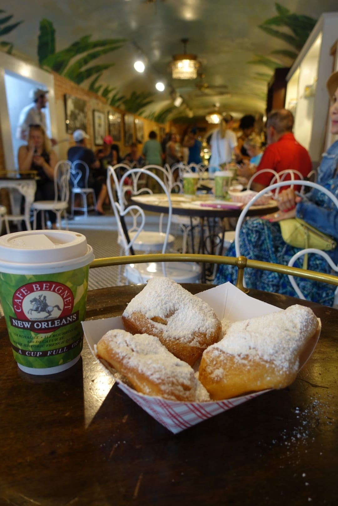 cafe beignet, best beignet in new orleans, where to eat in new orleans