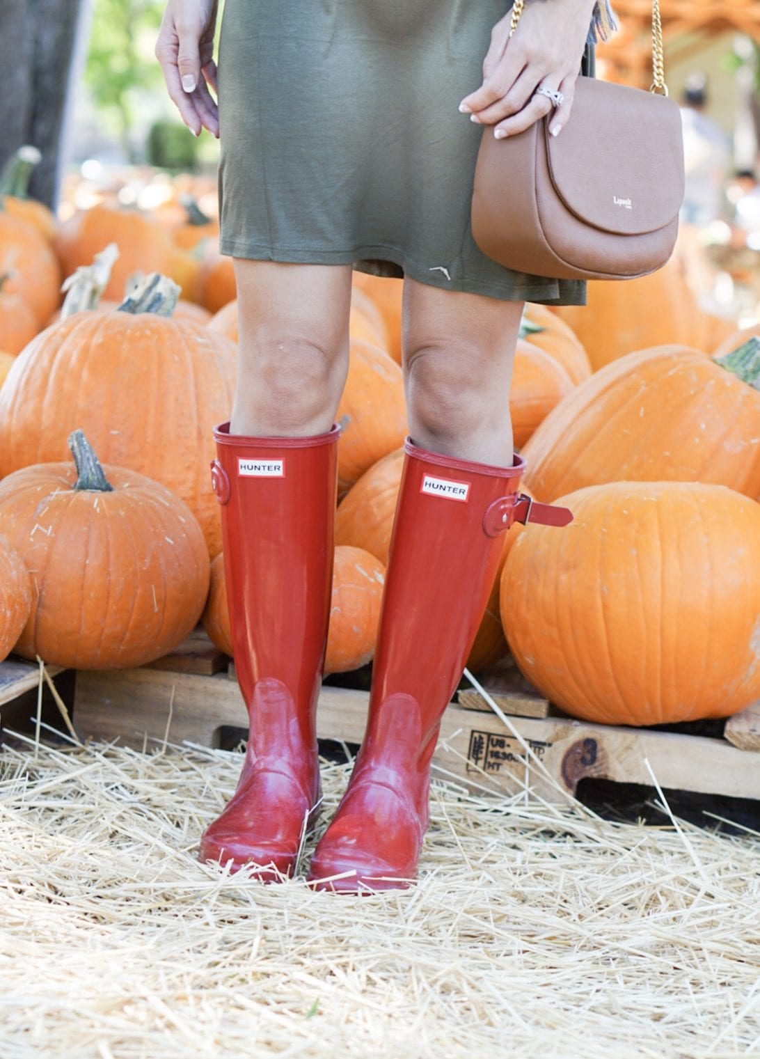 pumpkin patch, fall festivities, fall activities, family fall activities, mommy and me style, boy mom, mom style, fall outfit, hunter boots, pumpkin patch pictures