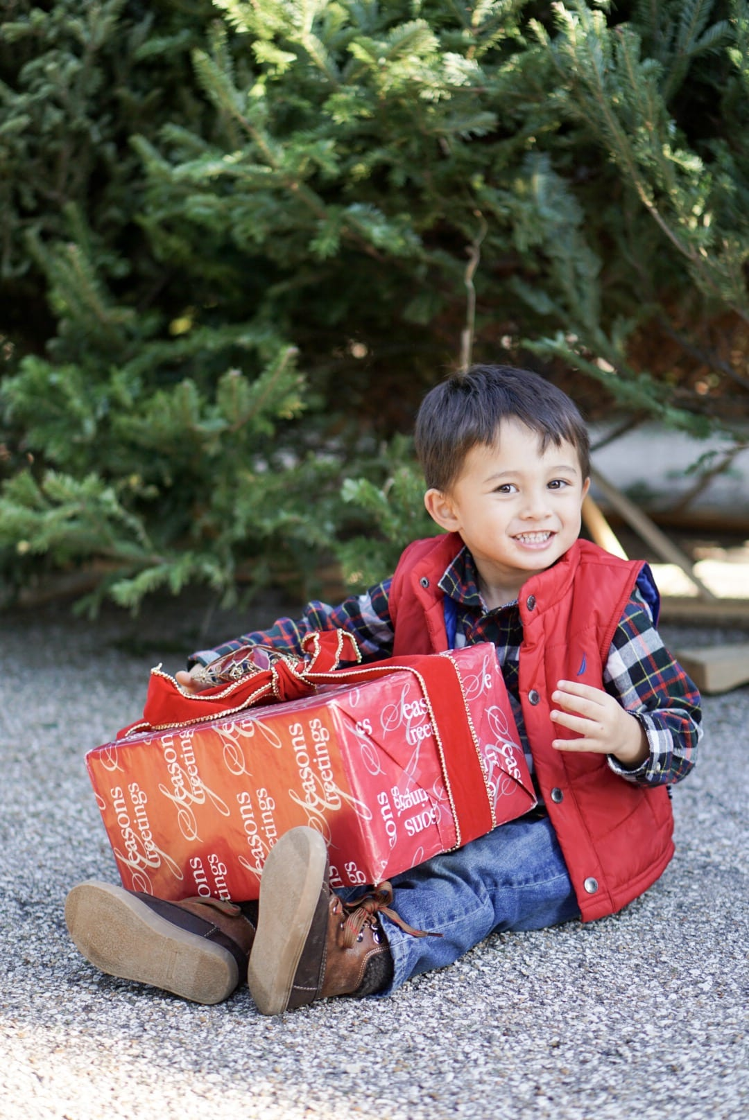 toddler gift guide, gift guide for kids, christmas gifts for children, kids hunter boots
