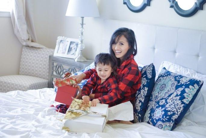 christmas gift guide, christmas decor, family matching pjs, buffalo plaid pjs, buffalo plaid dress, buffalo plaid pj for toddlers, buffalo plaid dress, christmas outfit