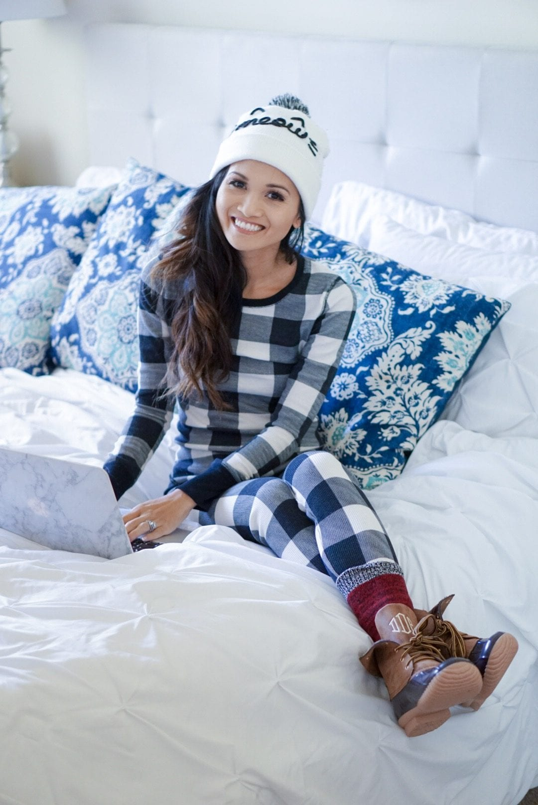 2017 Holiday Gift Guides , gift guide for her, gift guide for toddlers, gifts for the home, gifts for beauty lovers, beauty gift guide, gifts under $50, gifts for pet lovers, gifts for the traveler, fitness gear for the new year, gifts for the fitness enthusiast, buffalo plaid pjs, #oldnavystye