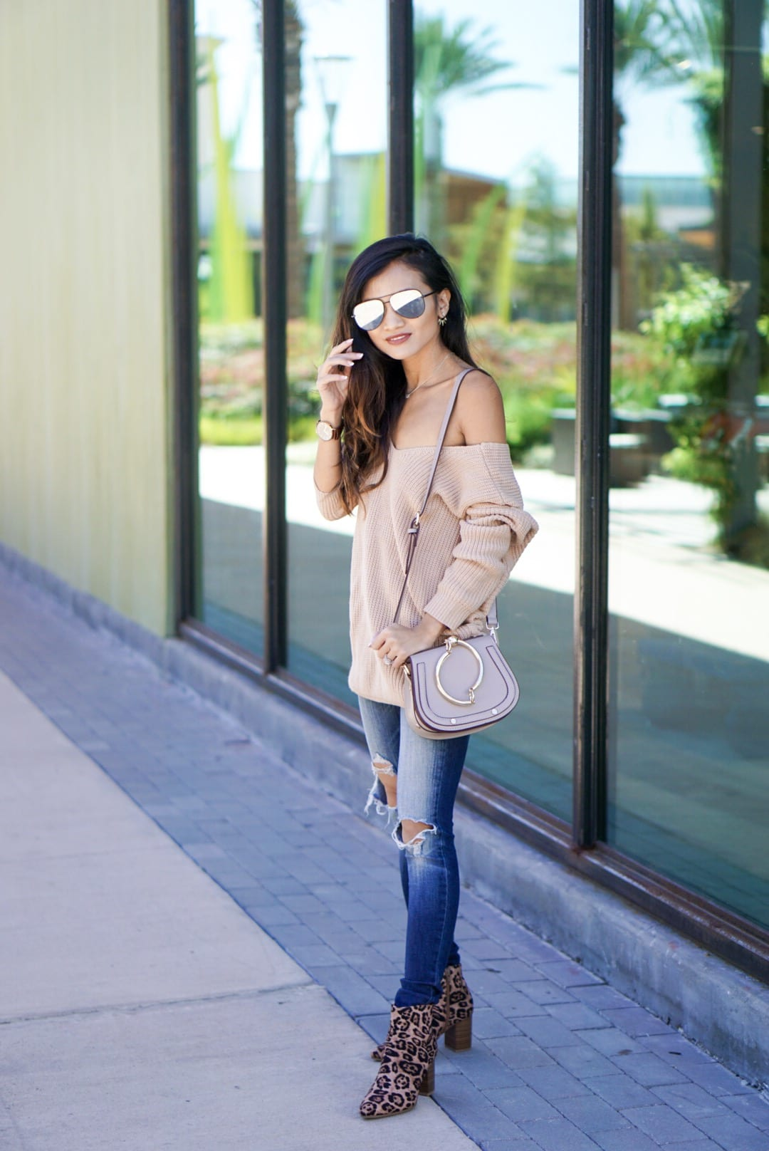 Thanksgiving look, thanksgiving outfit, thanksgiving sweater, twist sweater, bauble bar, sweaters for under $50, fall sweaters, fall outfits, fall style, leopard booties, quay sunglasses