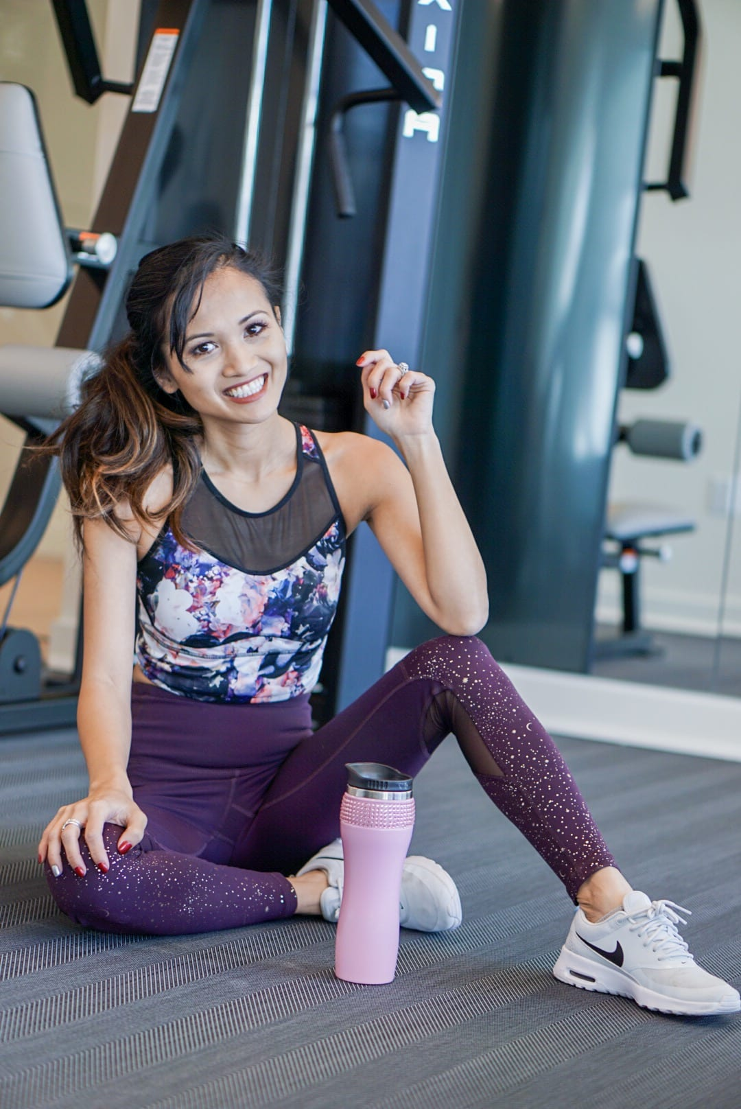 printed workout leggings, fitness fashion, nike air, activewear, gym clothes, activewear style, activewear outfits, floral leggings, printed leggings, workout clothes, under $50 style, mom on a budget, old navy activewear