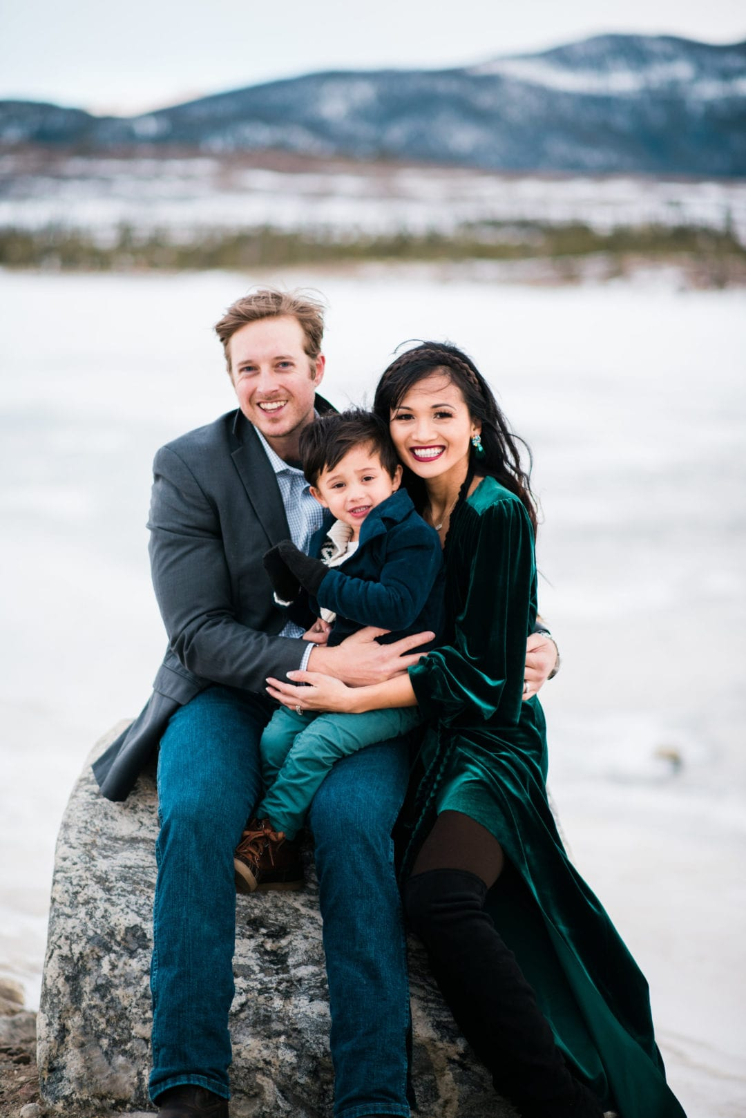 family pictures, snow family pictures, Colorado family pictures, frozen lake, christmas card family pictures