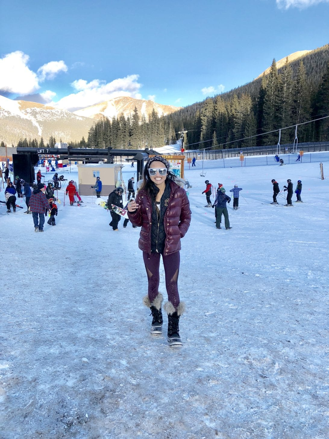 snowboarding, what to wear when snowboarding, what to wear skiing, Ski outfit, snowboard outfit, winter outfit, snow outfit, winter fashion, snow fashion, winter style, puffer jacket, ski pants, Sorel boots, quay sunglasses