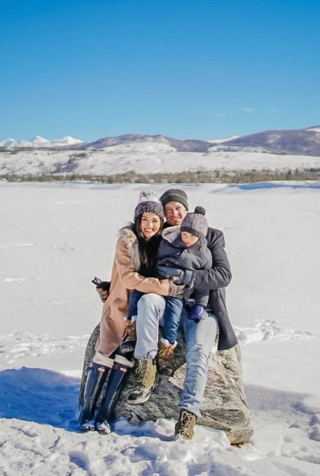 winter family photos, snow family photos