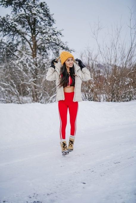 winter fitness style, yellow beanie