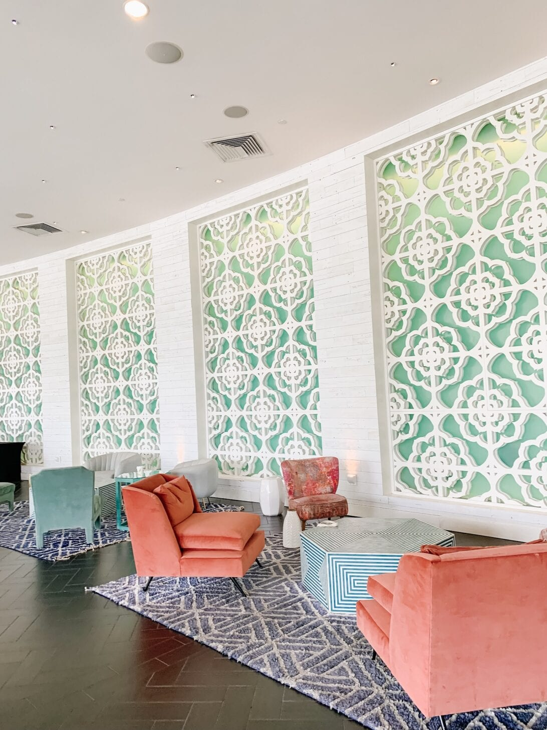 MID CENTURY MODERN, QUATRIFOIL WALLS, PINK COUCHES, GREEN COUCHES, RETRO DECOR