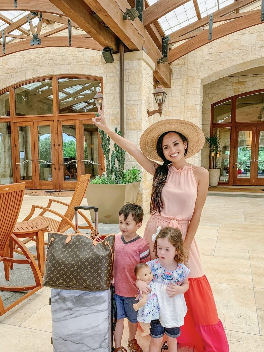 San Antonio HOTELS, San Antonio RESORTS, HILL COUNTRY RESORTS, Louis Vuitton NEVERFULL GM,