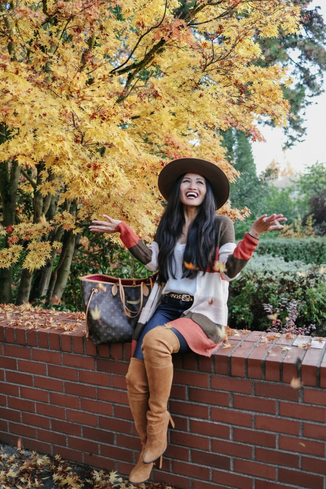 Fall foliage in Washington, color block cardigan, Louis Vuitton Neverfull, Neverfull GM, Stuart Weitzman Hiline boots, suede boots, tan otk boots, over the knee boots