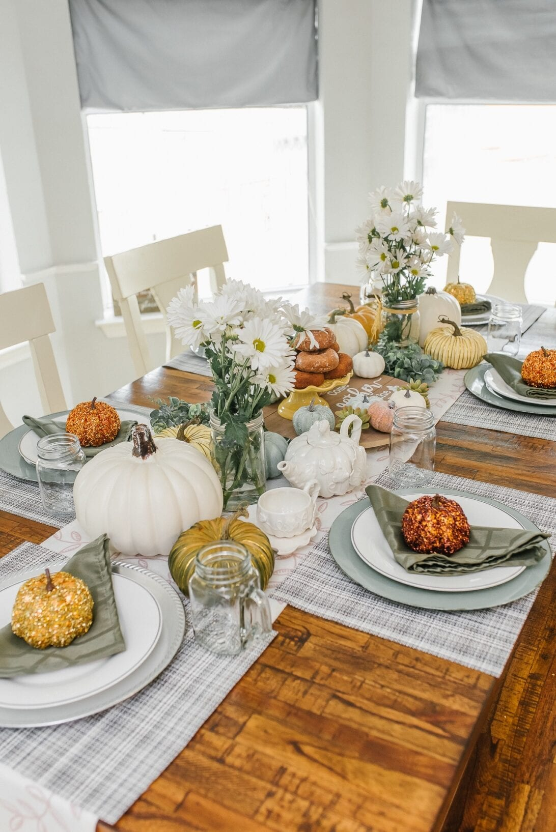 Thanksgiving table decor, country table setting, fall table setting