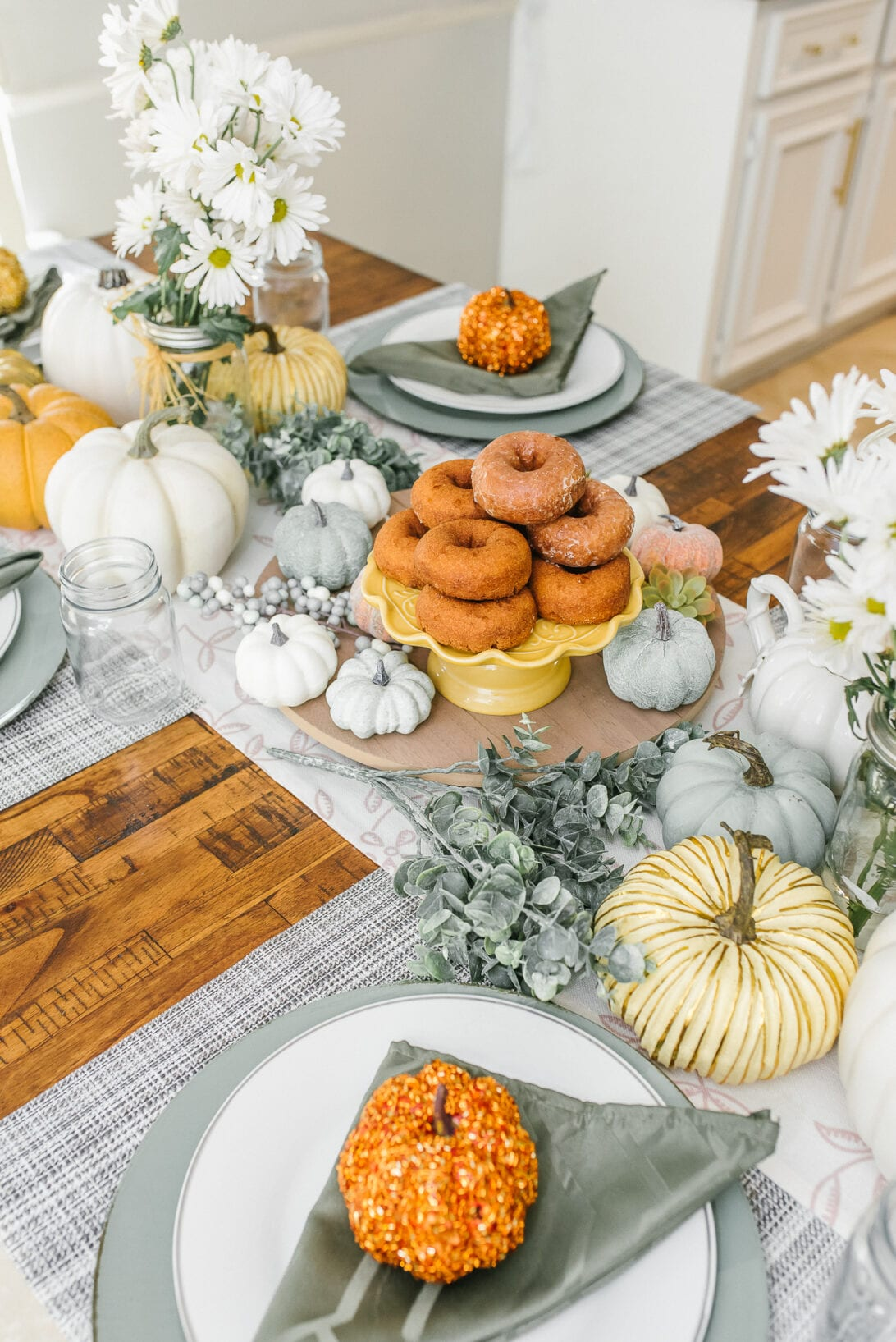 country table setting, donuts tray, fall tablescape