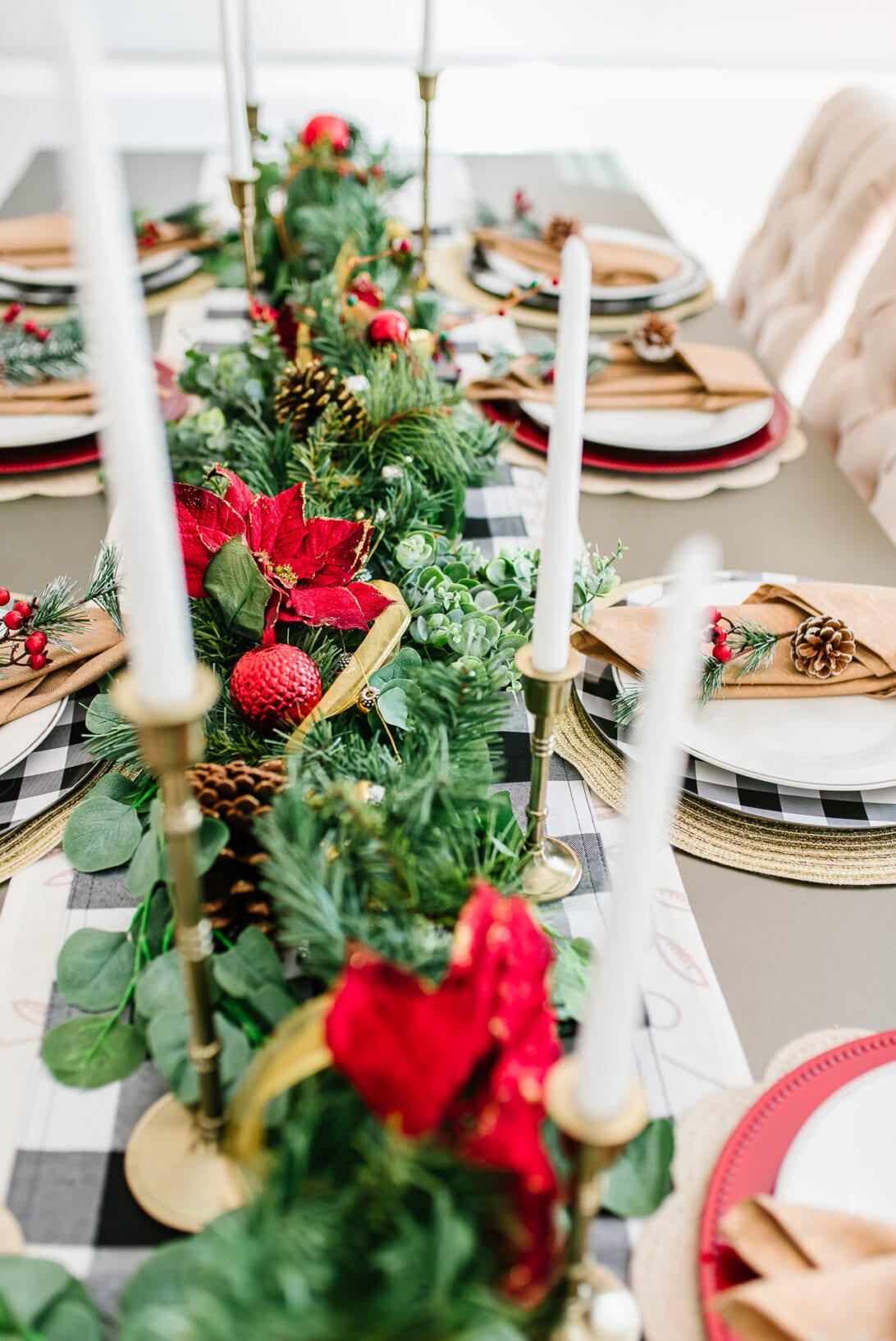 red and green garland, table decor