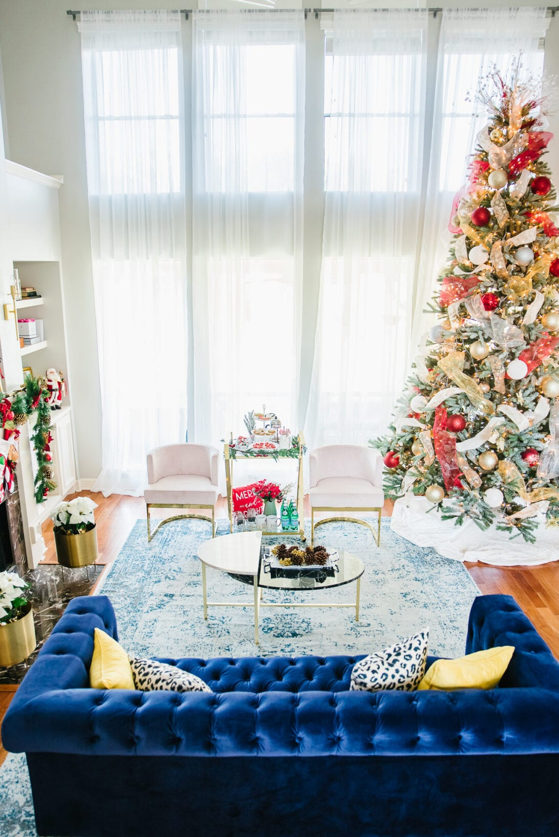 christmas living room decor, blue couch, glam style living room