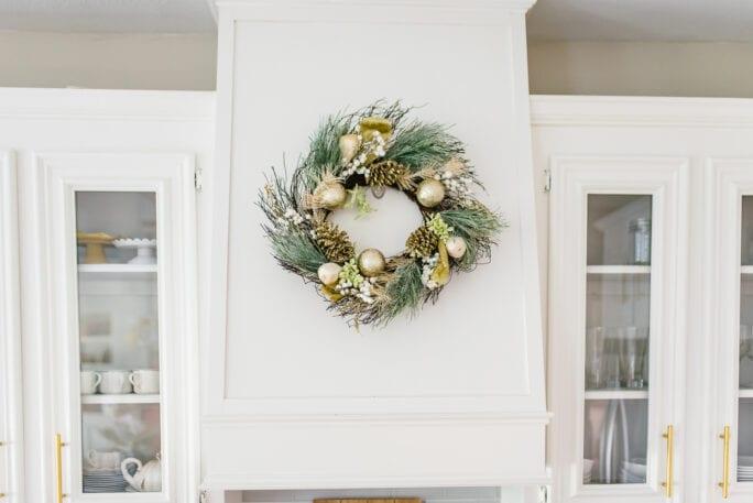 Christmas kitchen decor, Christmas kitchen wreath