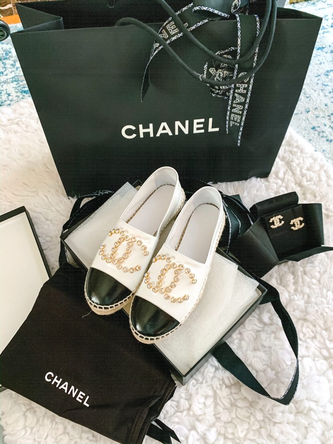 chanel cruise 2020, Chanel espadrilles, black and white calf skin espadrilles, Chanel unboxing, Chanel earrings, Chanel bag, Chanel shoes, bling chanel espadrilles