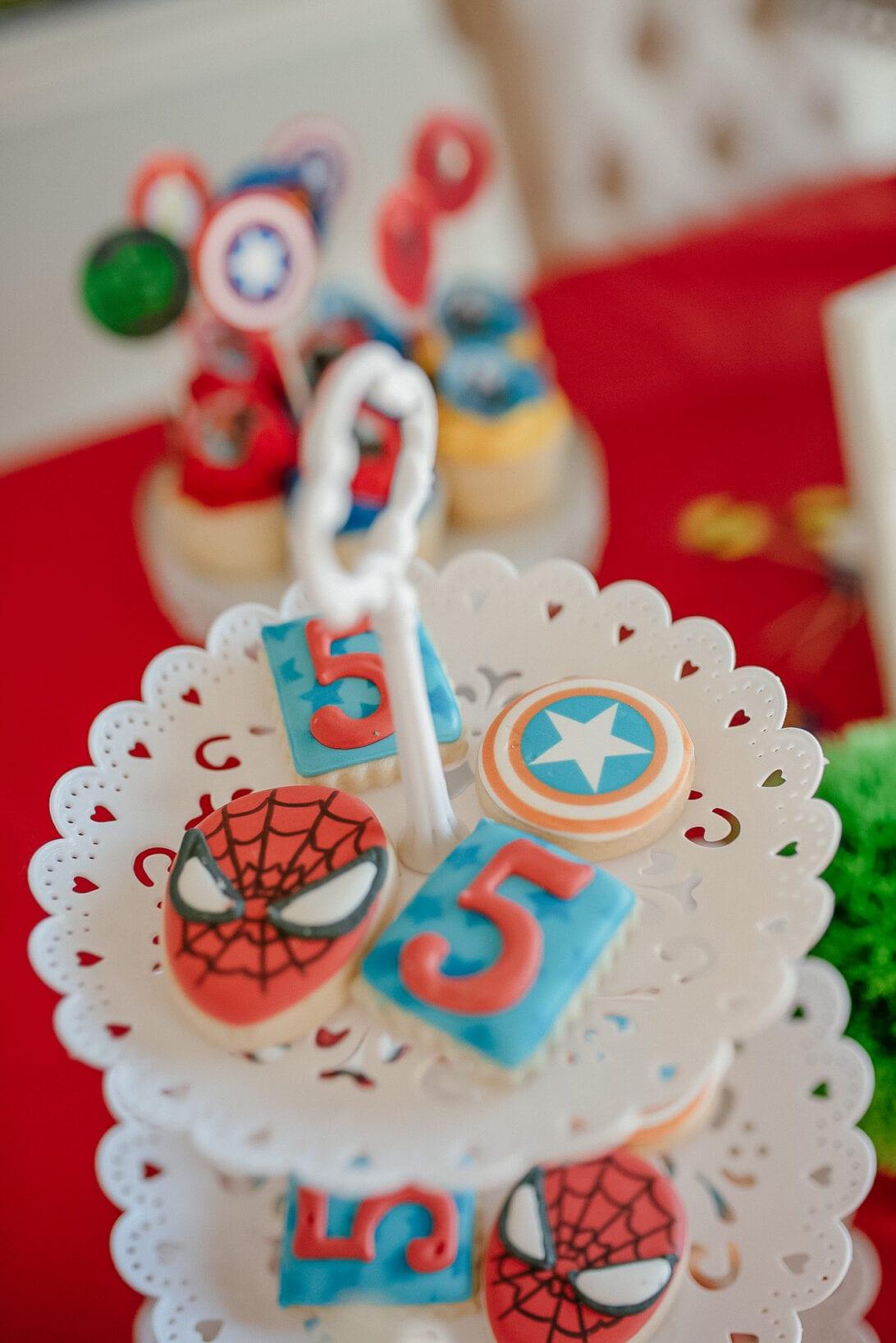 superhero cakes, Spiderman cake, Avengers cookies