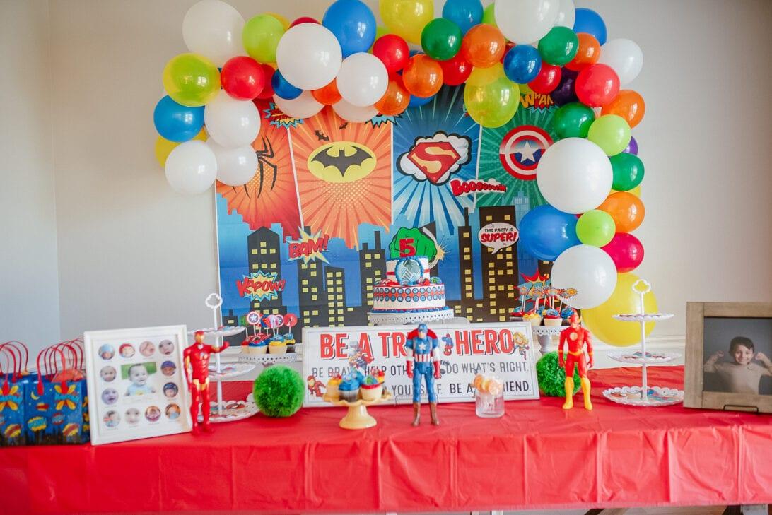 superhero birthday decoration, superhero birthday balloon garland