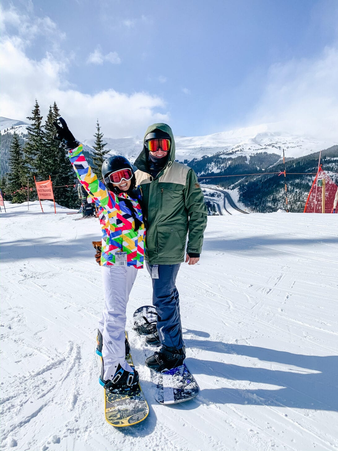 SNOW BOARDING COUPLE, SNOW BOARDING COLORADO