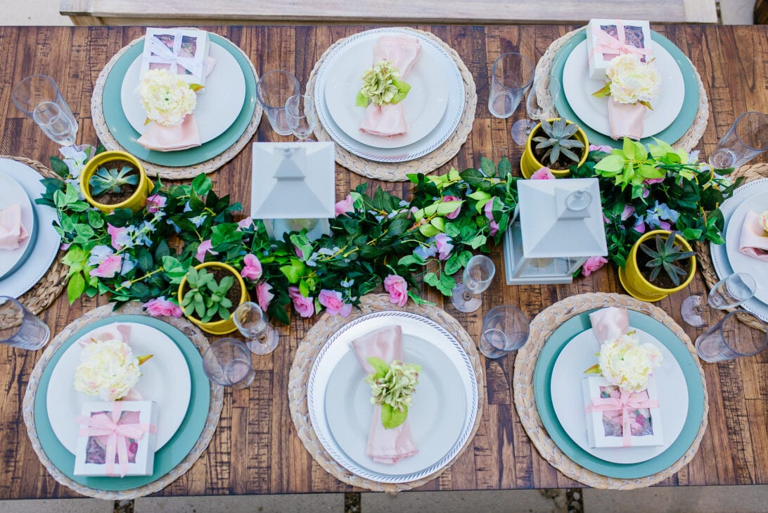pink tablescape, brunch tablescape, bridal shower brunch, baby shower brunch