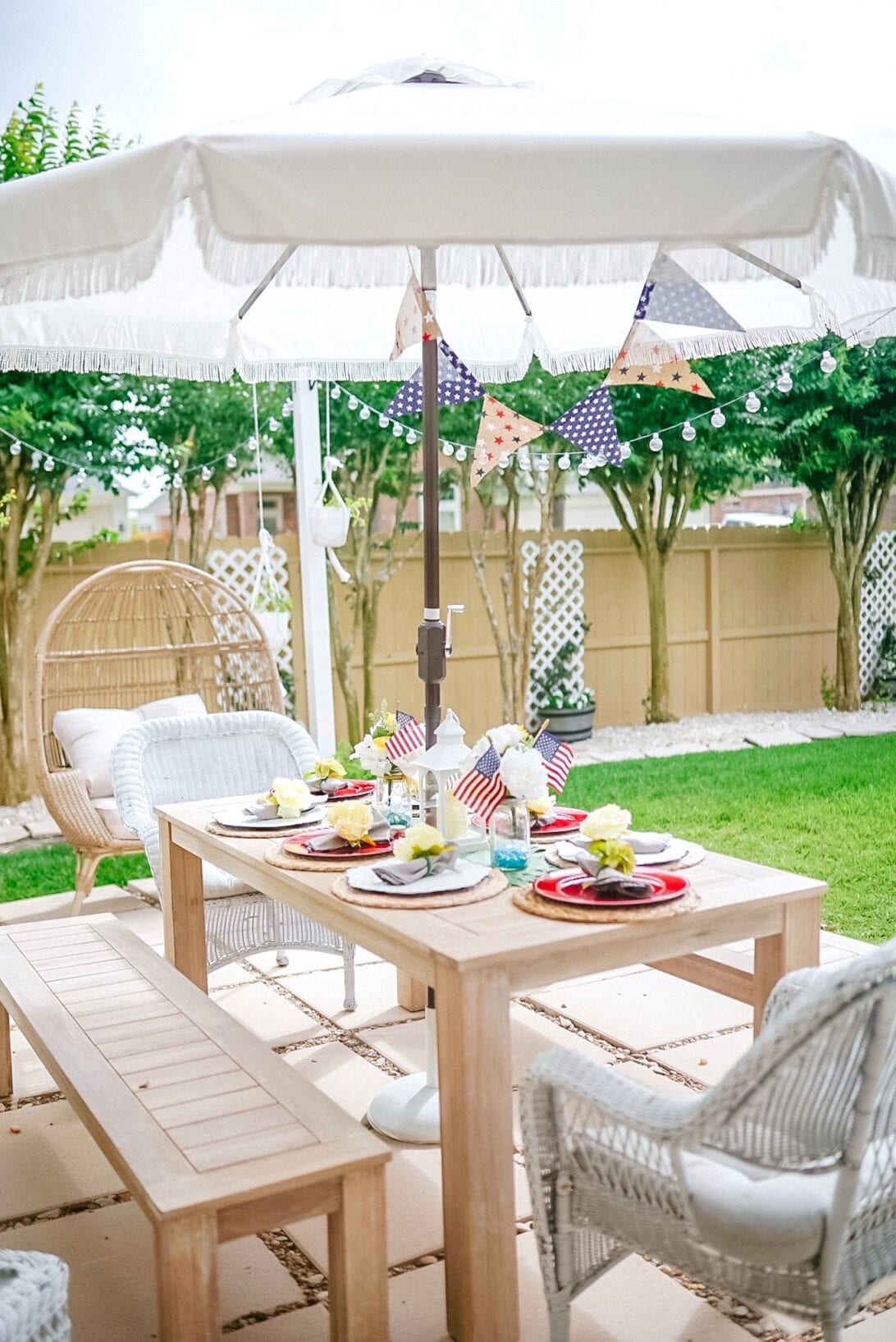 patriotic themed tablescape, Memorial Day, Memorial Day tablescape, backyard, summer, patio tablescape, 4th of July tablescape, outdoor entertaining