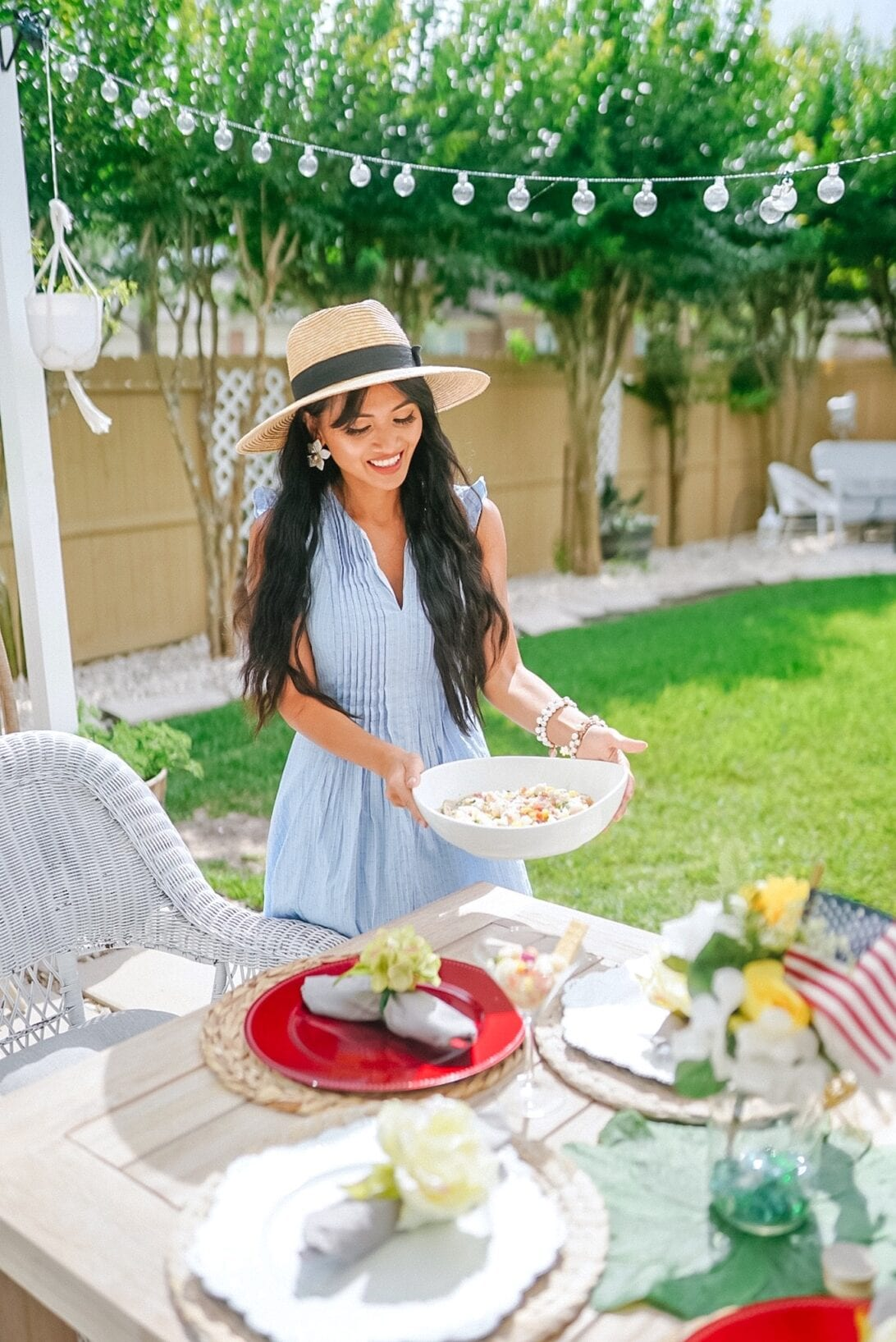 patriotic themed tablescape decor, outdoor entertaining, outdoor bbq, Memorial Day BBQ, 4th of July BBQ