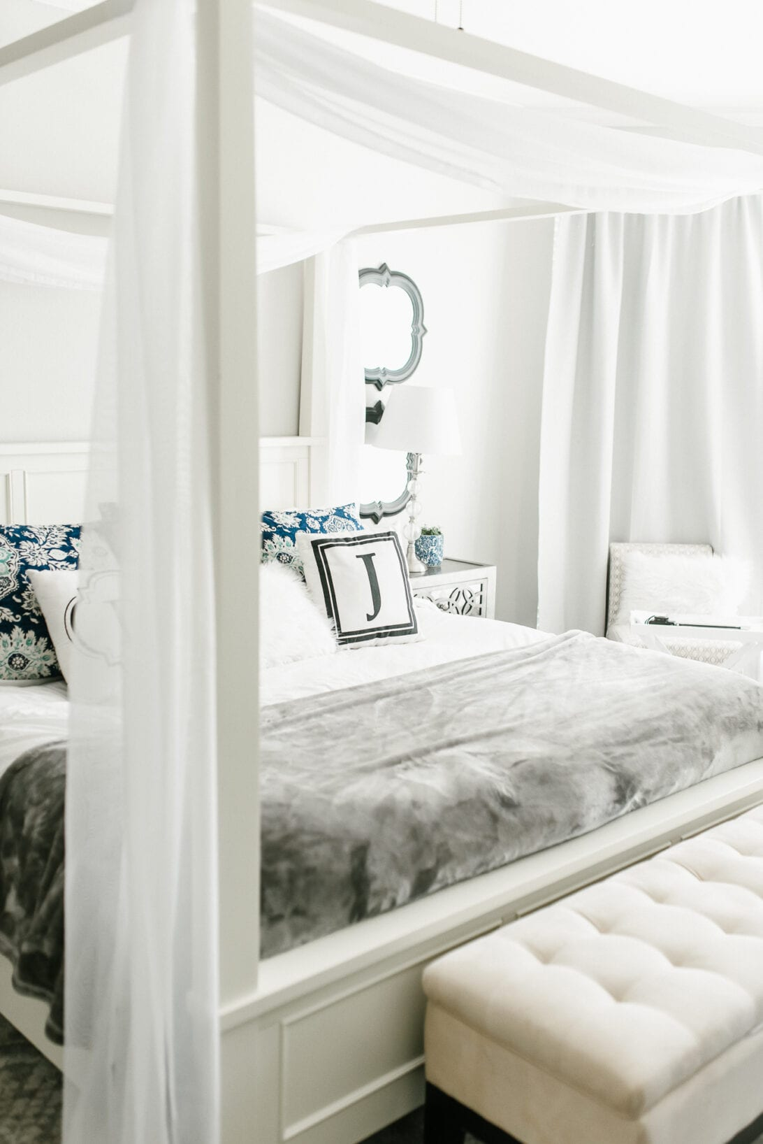 master bedroom, white canopy bed