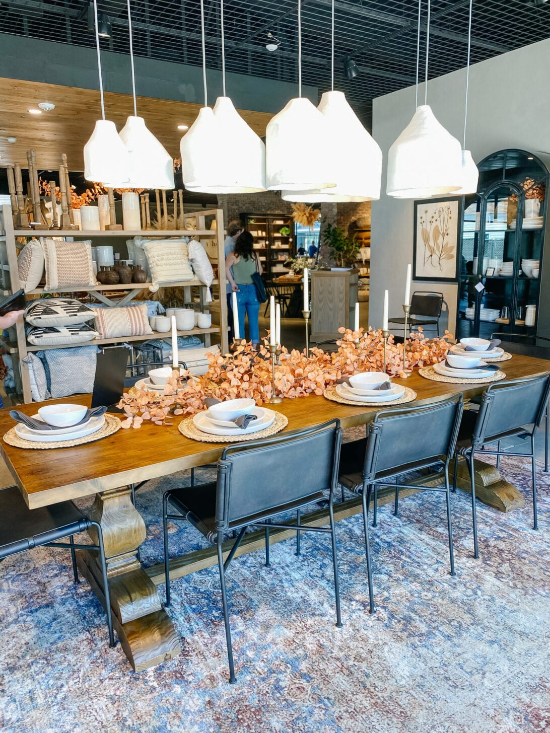 MAGNOLIA HOME, MAGNOLIA DINING, FIXER UPPER