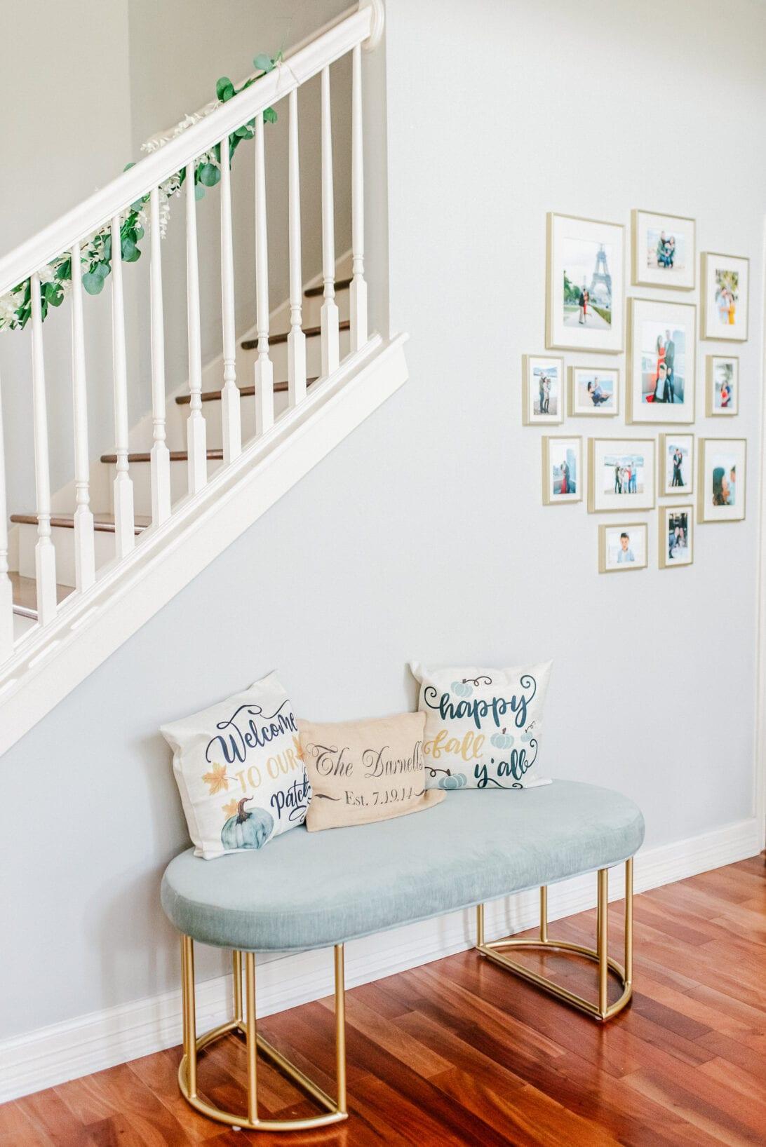 entryway seating fall decor, fall decorative pillows