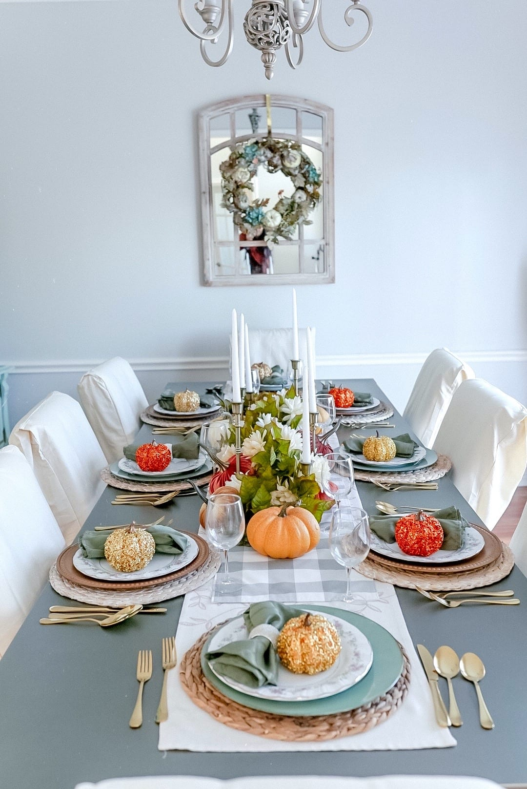 2020 Thanksgiving tablescape, Thanksgiving table decor, table napkins, table napkin holders, mirror wreath