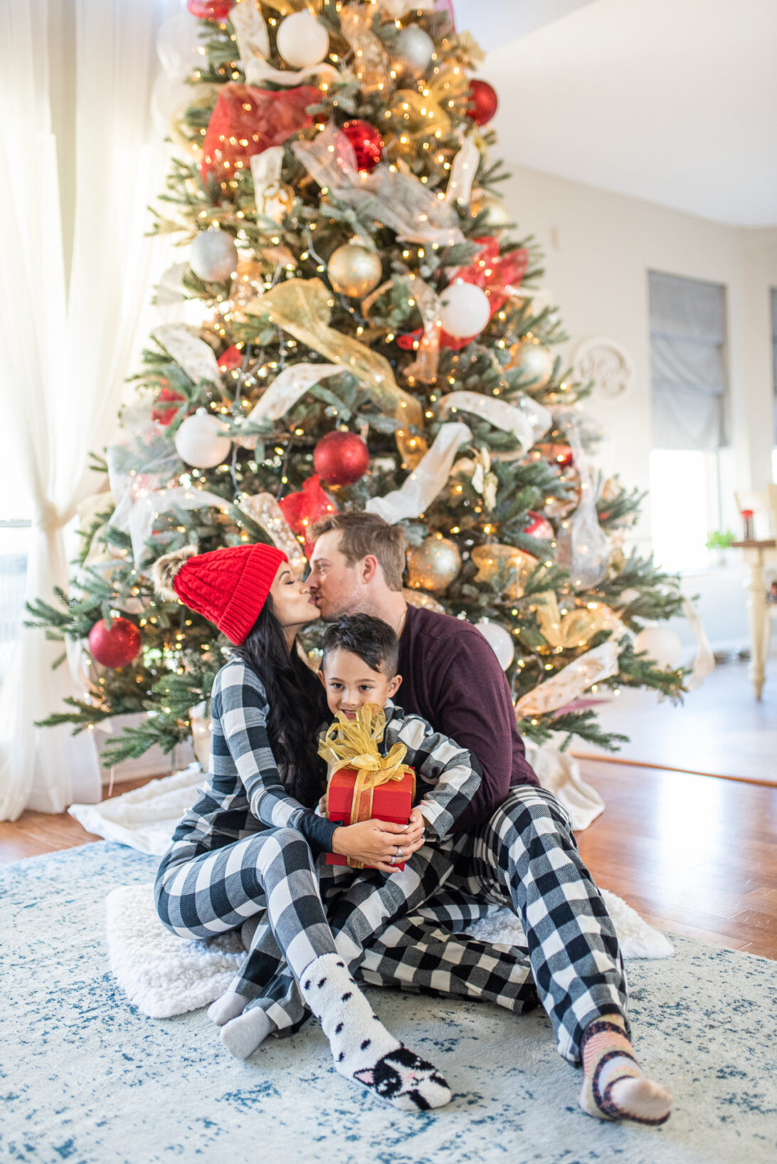 Christmas family pajamas, Christmas family photos