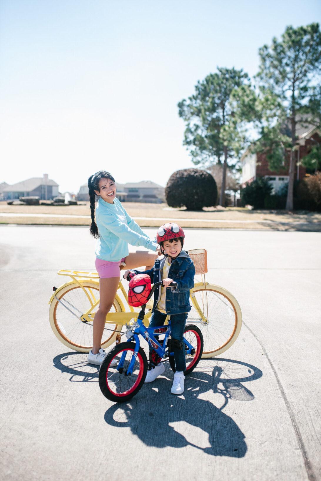 yellow bike cruiser